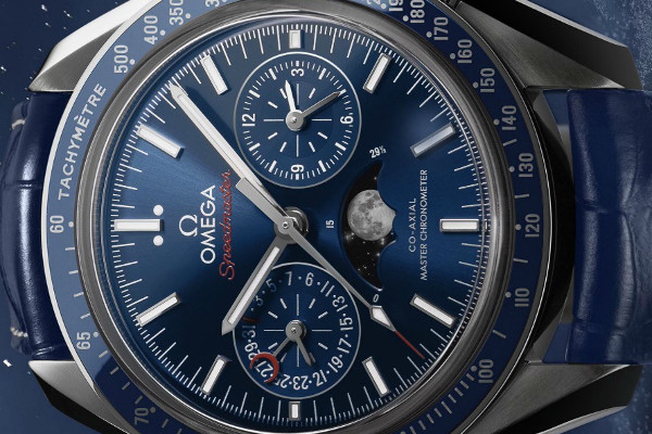 Omega Speedmaster Moonphase02pub