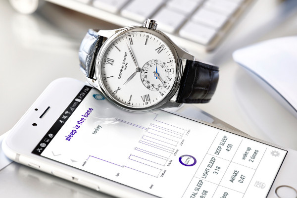 Frederique-Constant-Horological-Smartwatch02pub