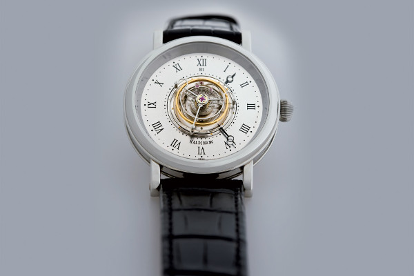 H1 Flying Central Tourbillon02pub